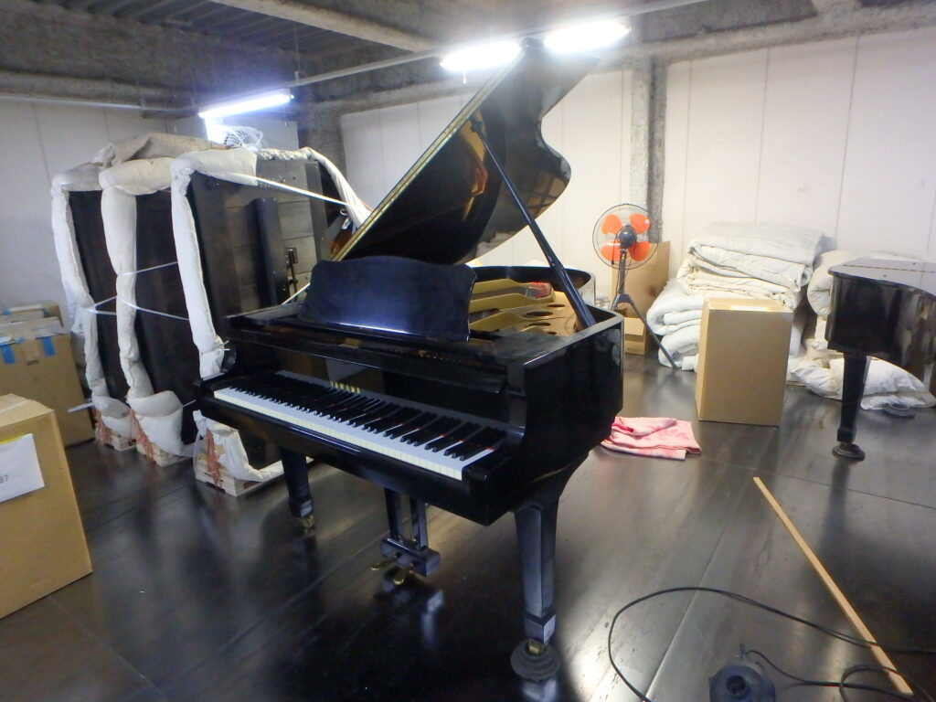 black yamaha grand piano