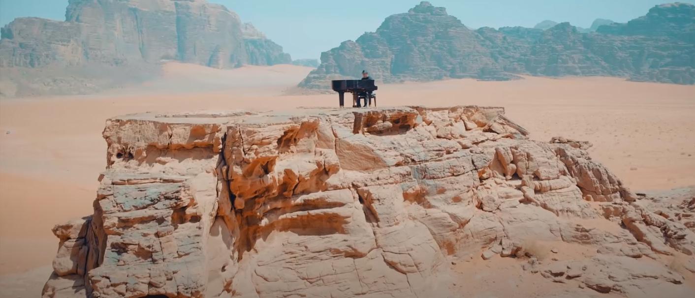 piano moving to wadi rum