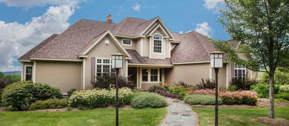 Things To Keep In Mind While Hiring A Roofing Contractor