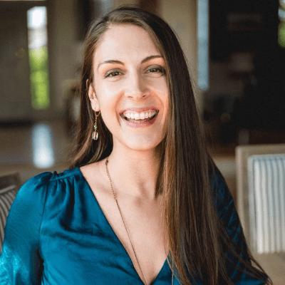 Kara Lovehart- Massage & Intuitive Empath Headshot