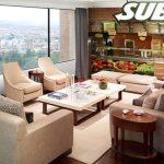 Baja a desayunar y encuentra un Subway en la sala de su casa