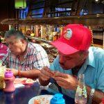 Florida veta a colombianos de restaurantes «Todo lo que pueda comer»