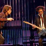 Keith Richards hiere sin culpa a Mick Jagger con una escopetarra