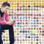 Exclusivo: entrevista con primer joven que solo se expresa con emojis