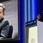 Uribe deja publicidad contra el plebiscito en manos de Santos