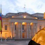 Santos pregunta si puede ser presidente honoris causa el tiempo que le queda