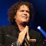 Carlos Vives, preocupado porque su próxima canción, «Baila con Soltura», también se vuelva real