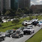 Avenida El Dorado colapsada por escoltas de dignatarios, piden a Papamóvil buscar vías alternas o poner el Waze