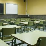 Joven universitaria denuncia acoso sexual de profesor y directivas le creen y la respaldan