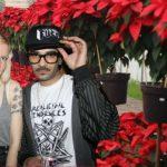 Colectivo hipster sensible busca hogar a poinsettias abandonadas después de Navidad
