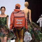 Maleta de Rappi causa furor en pasarelas europeas