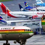 En vísperas de otro día sin IVA, aterrizan en El Dorado equipos africanos de cargar ataúdes