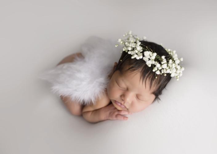 Newborn Photos by Tiny Hearts