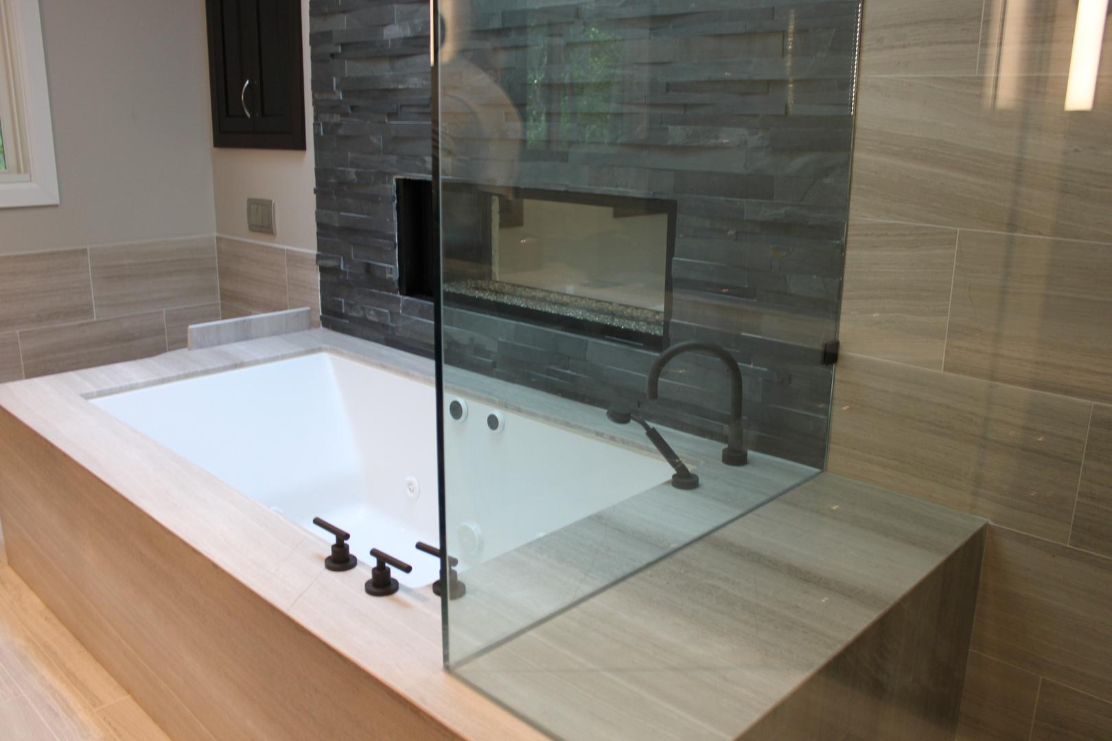 Encino bathtub