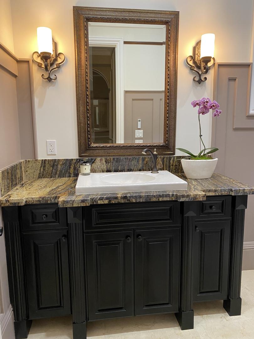 Arcadia guest bathroom