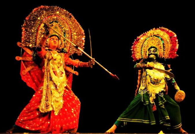 Chhau Dance - A combination of huge masks, gaudy costumes & swift movements(PC - Pinterest)