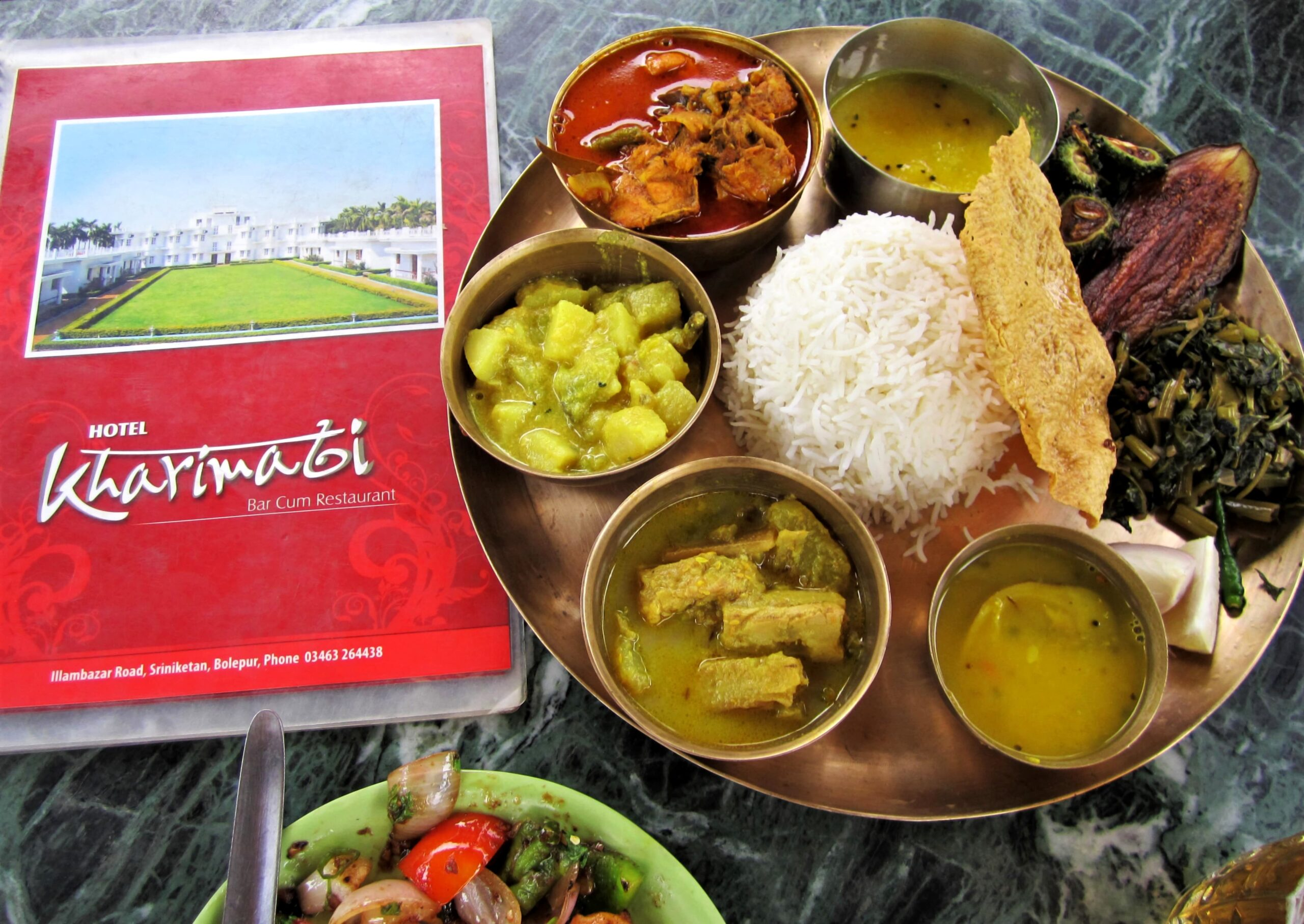 Lunch with traditional Bengali Thali at Kharimati