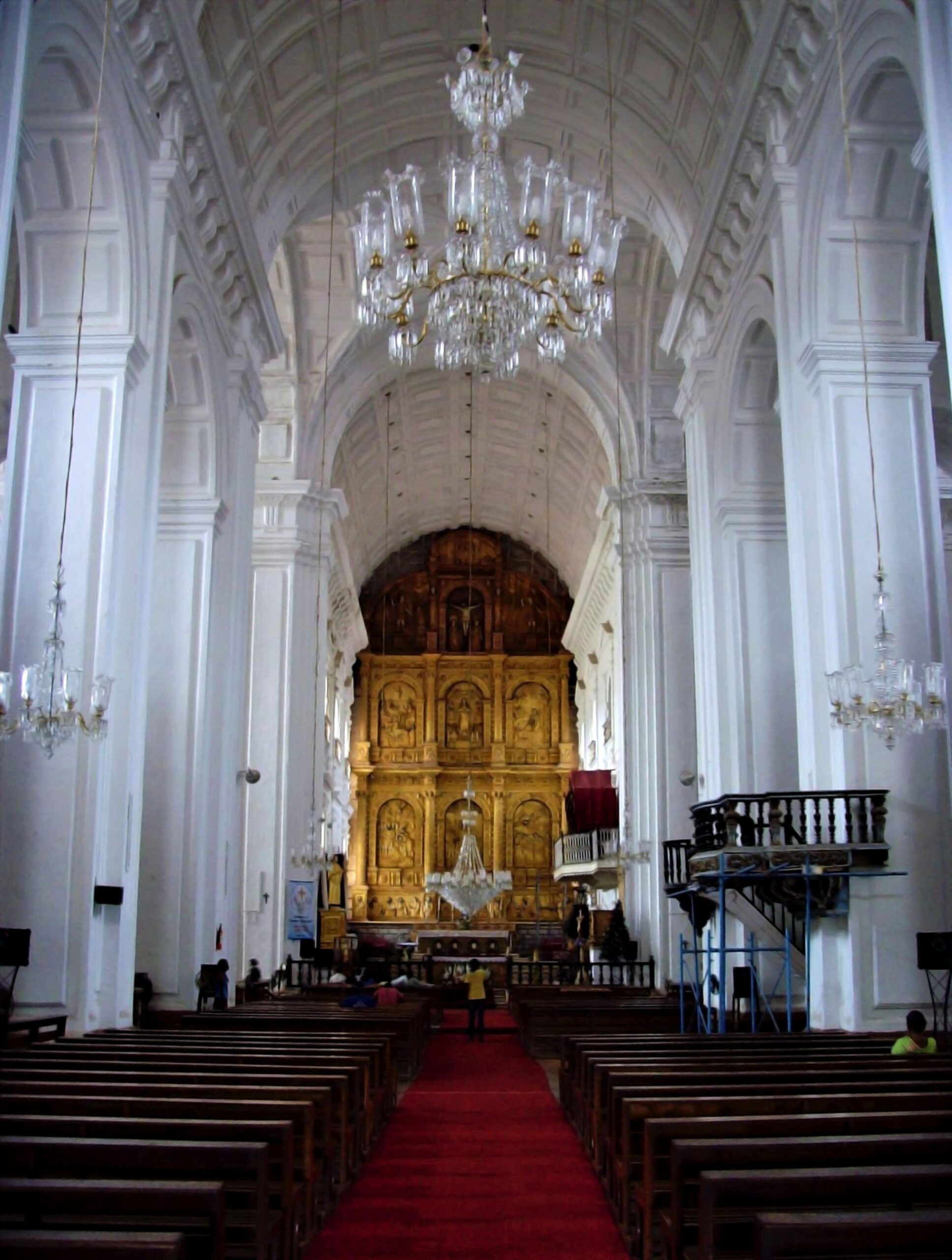 Interiors of Se Cathedral   PC - Wikimedia Commons