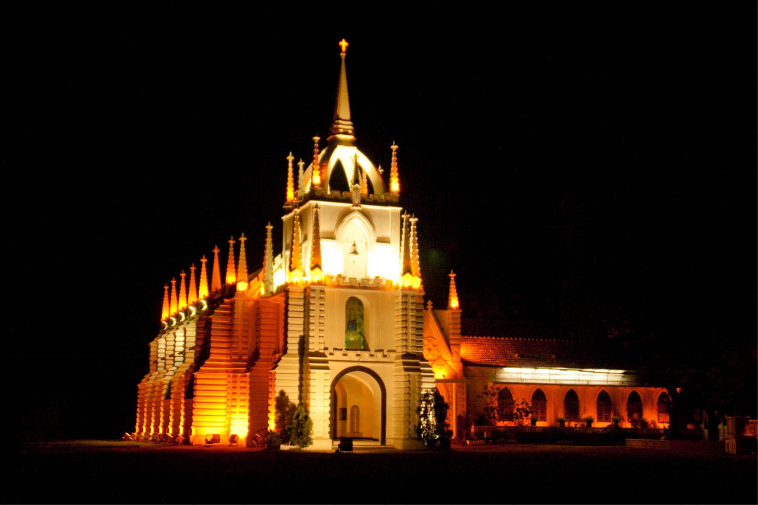 Mae De Deus Church at night   PC - footwa.com