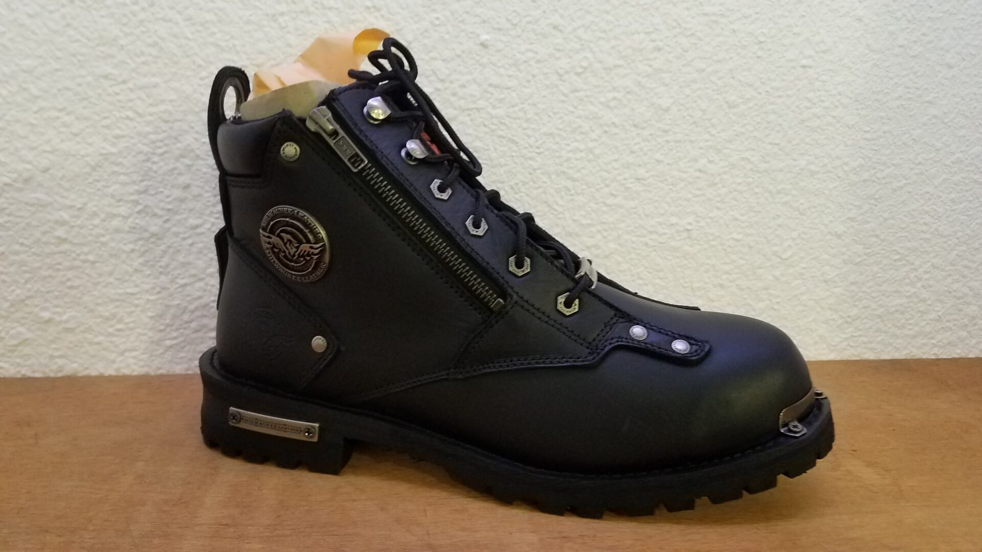 Leather Boot with zipper scaled