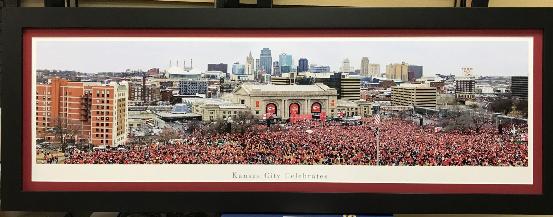 chiefs-parade-pano-scaled