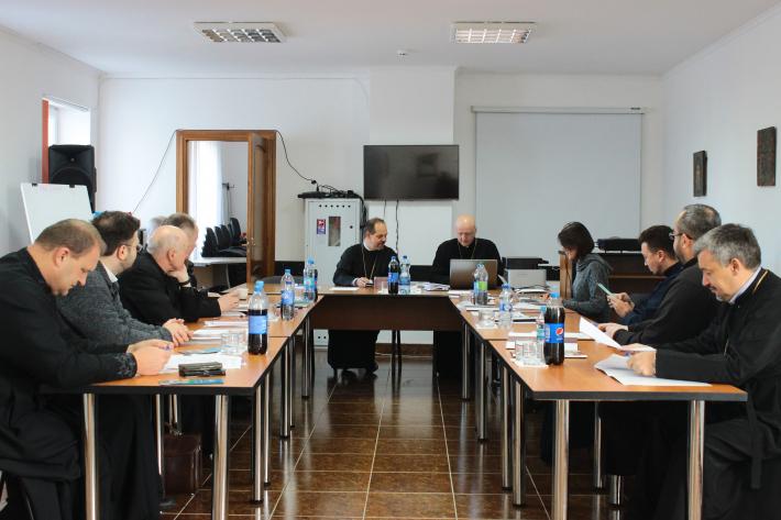 Семінарійне виховання та постійний супровід духовенства: виклики та шляхи покращення