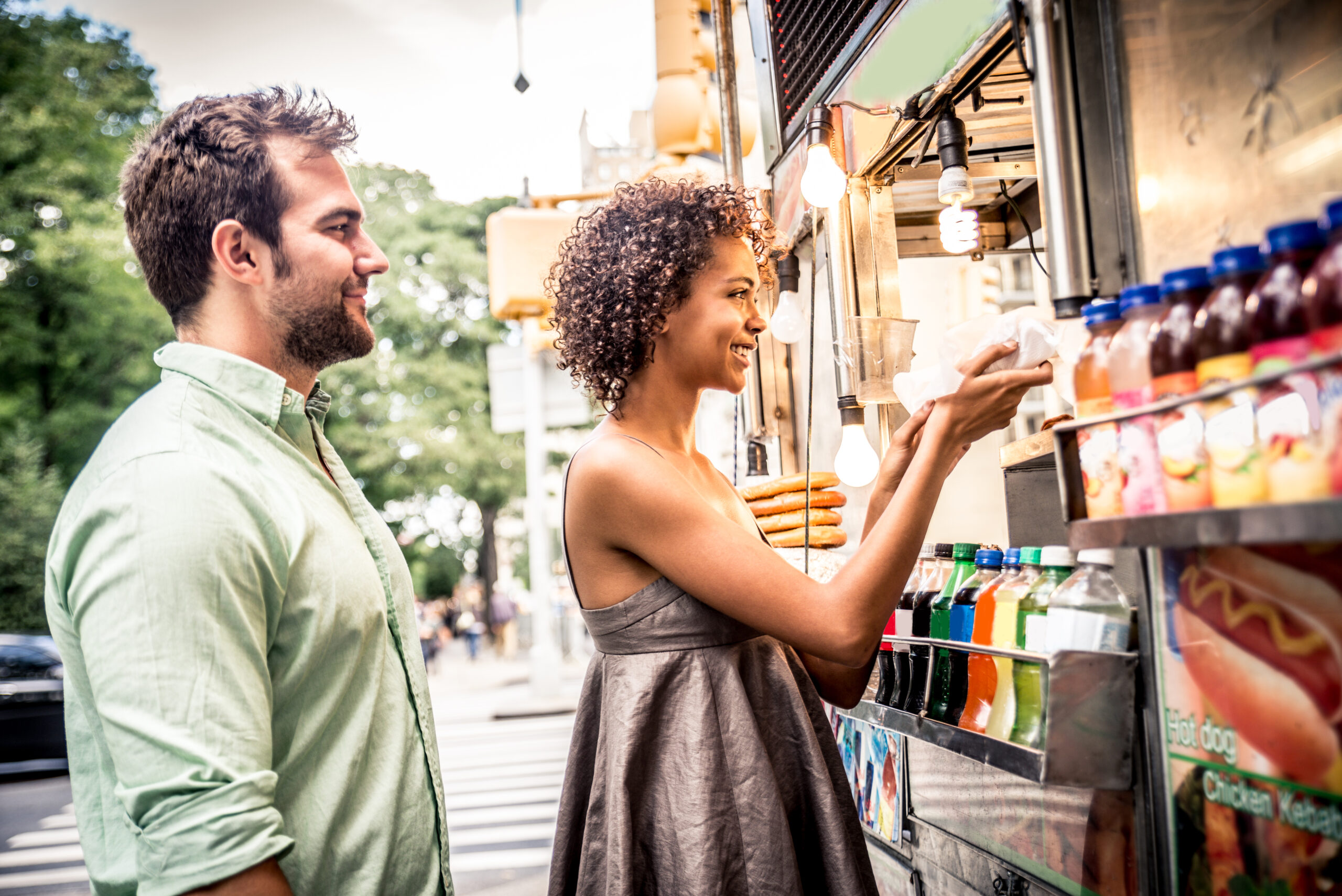 couple-at-food-truck-nashville-tennessee-nodat-hot-offers