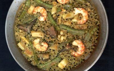 Paella de sepia, alcachofa y vainas