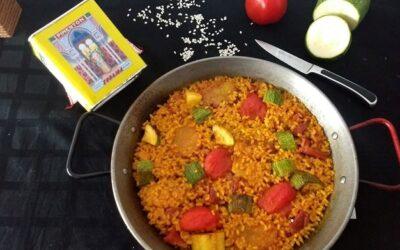 Paella de verduras y jamón