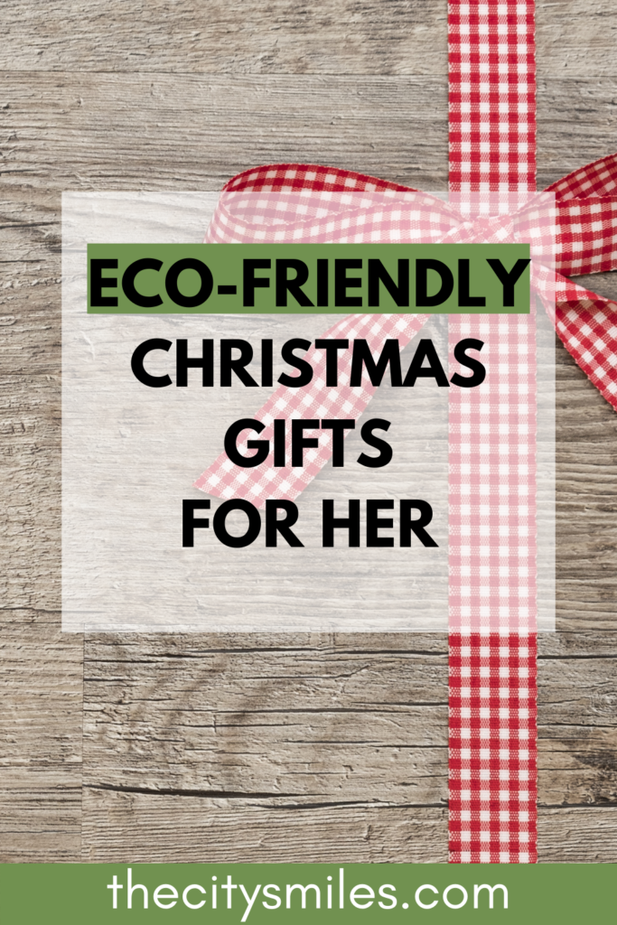 Having trouble finding Christmas gifts for her? Whether you're shopping for a mom, girlfriend, or best friend, I've got you covered. These 10 eco friendly Christmas gifts are perfect for everyone. From sustainable clothing to dainty ethical jewelry, these are sure to make your girl's year.