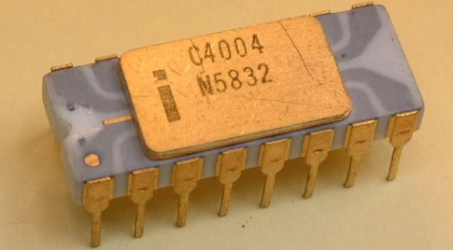المعالج الأول لشركة انتل intel 4004