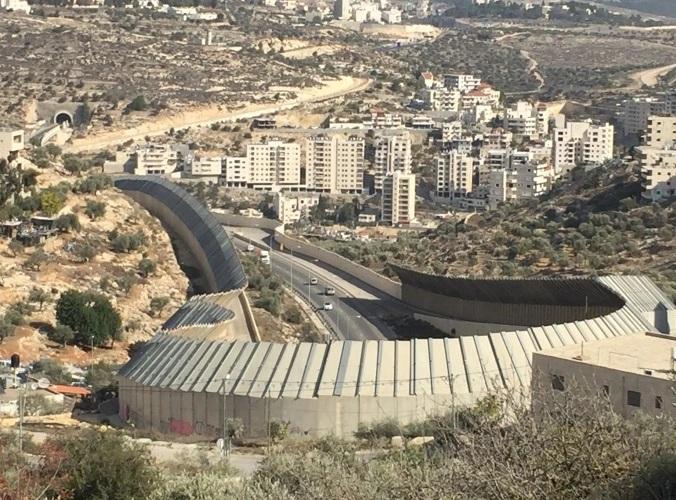 سياسة التضييق على الاقتصاد الفلسطيني واحدة من ممارسات الاسرائيلية