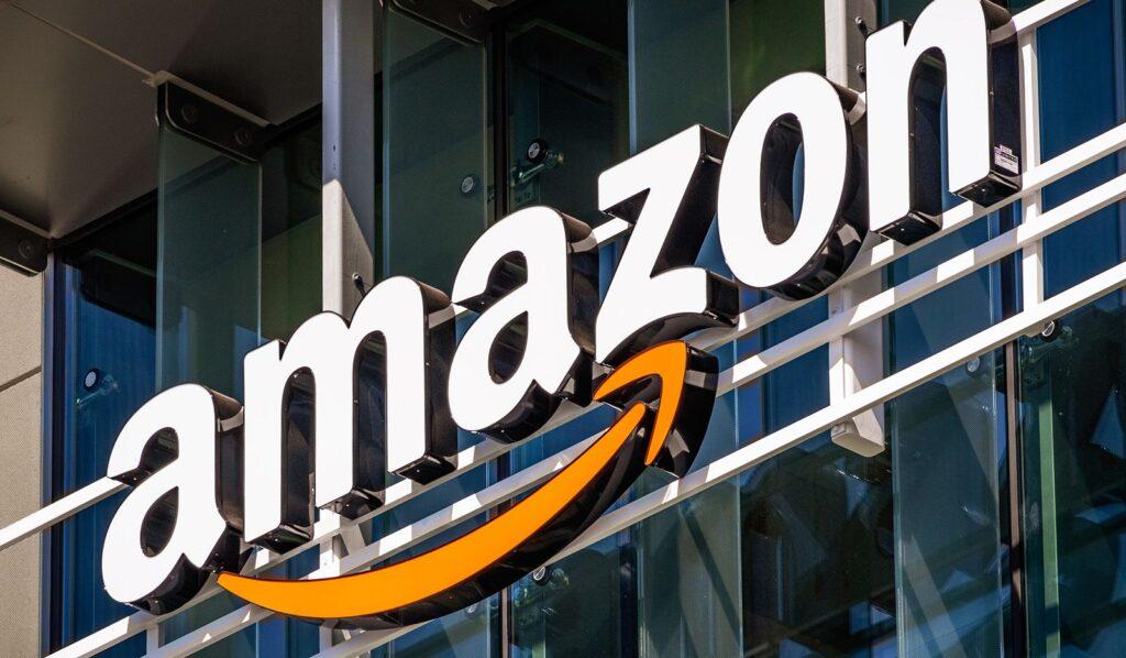 الشركات الأكبر في العالم من حيث عدد الموظفين : amazon