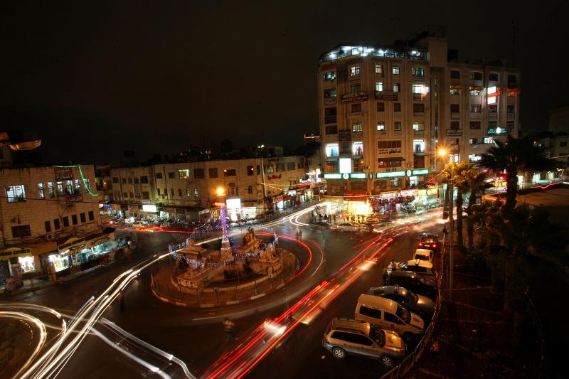 محافظة رام الله والبيرة : مركز مدينة رام الله ليلا