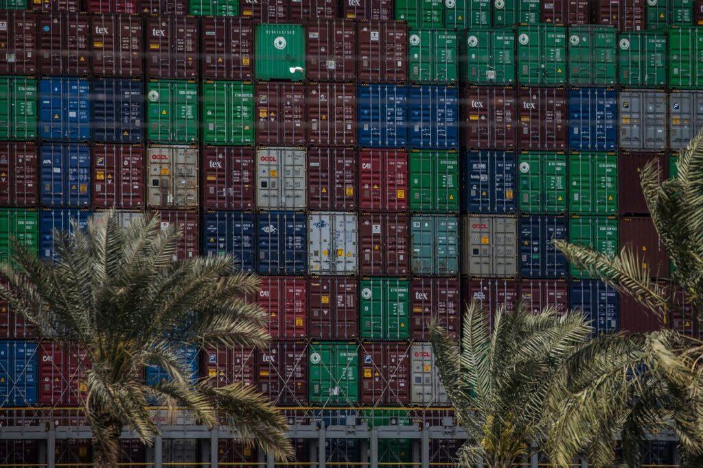 صور سفينة قناة السويس: يمكن للسفينة الضخمة استيعاب ما يصل إلى 20000 حاوية
