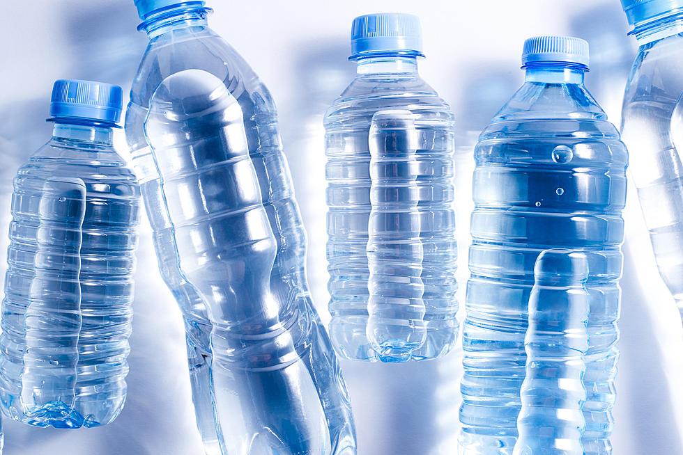 المياه المعدنية ليست نقية : البلاستيك والدعاية والأمراض هي أصدقاء لهذه الصناعة