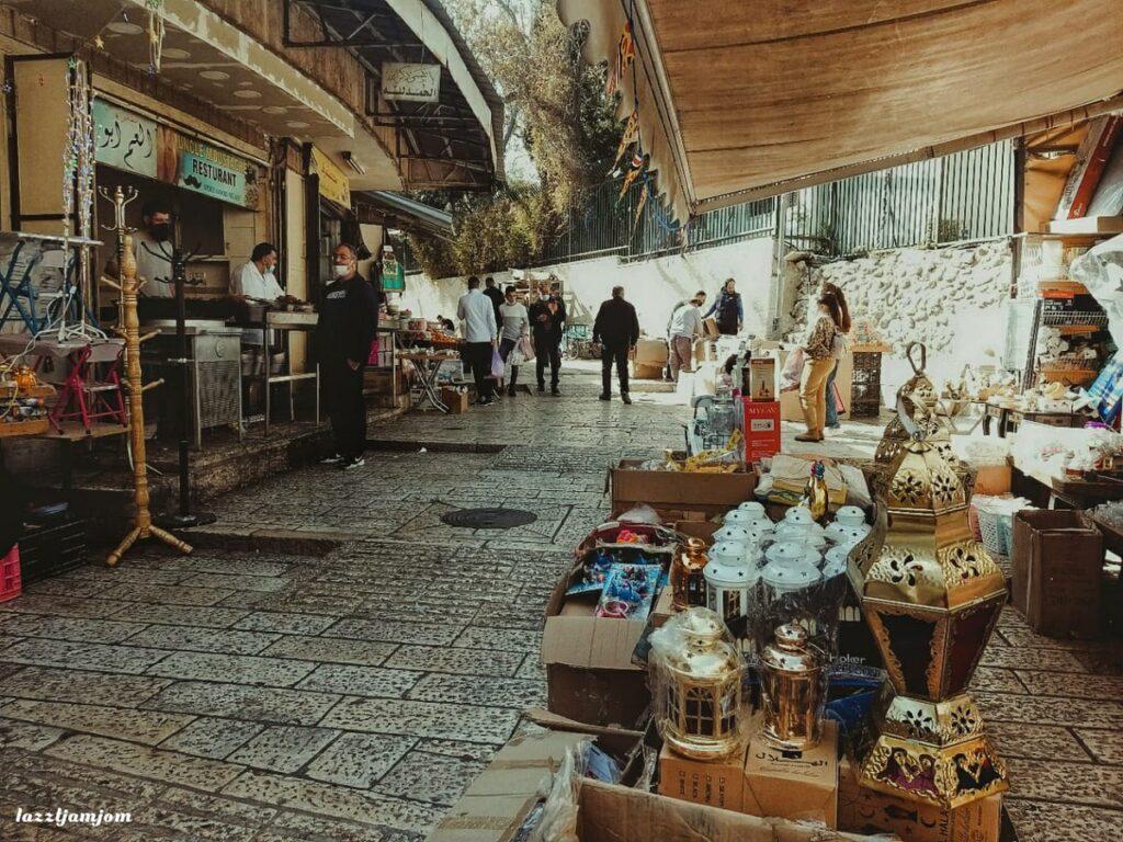 محافظة القدس ومكانتها الاقتصادية : اقتصاد يعتمد على الخدمات والسياحة الدينية