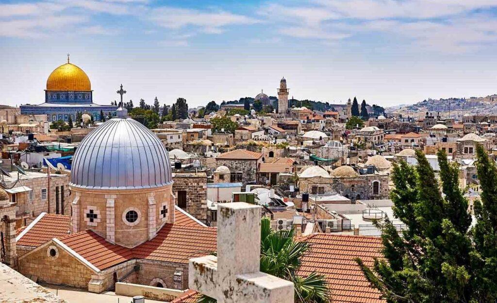 محافظة القدس ومكانتها الاقتصادية : مكانة دينية كبيرة