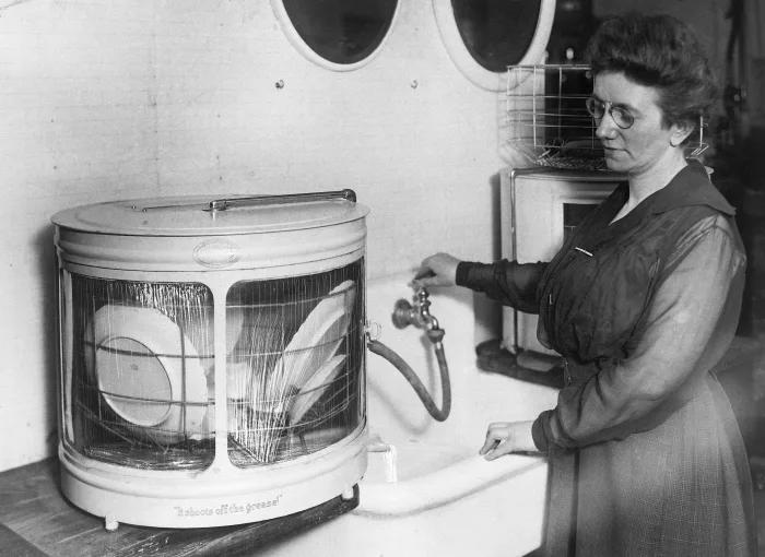 ابتكارات واختراعات علمية غيرت من الحياة : غسالة الصحون أو الأطباق