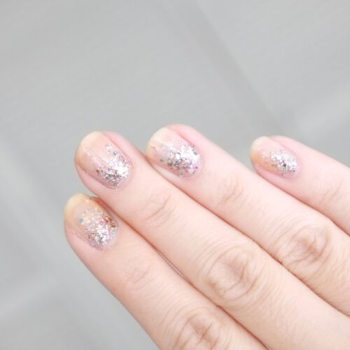 glitter-ombre-nails-pale-pink