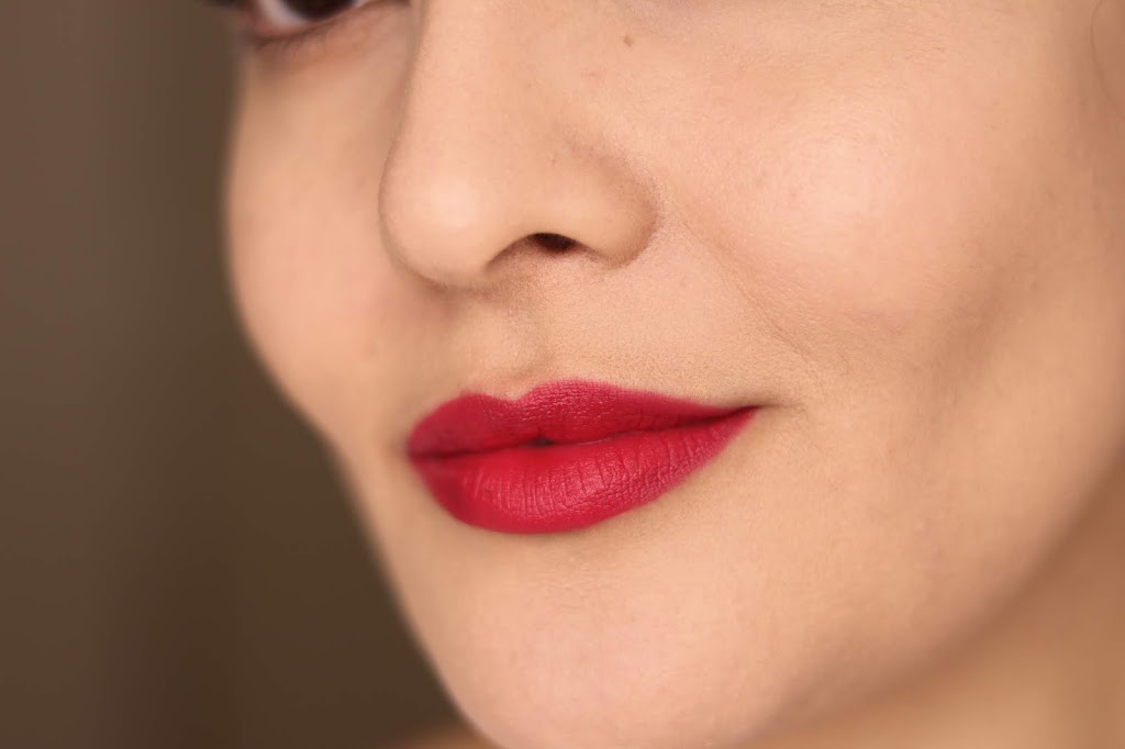 revlon ultra hd matte lip mousse review swatches 100 degrees canicule