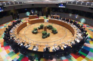 EU thương lượng các thỏa thuận mua trước vaccine chống COVID