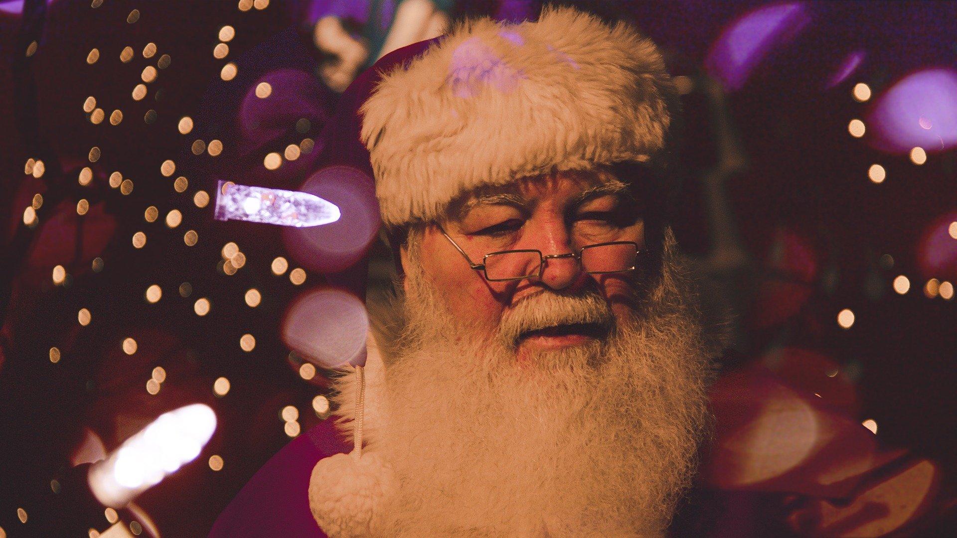 Proudly Supporting Santa www.noradsanta.org