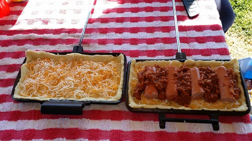 Assembling a Simple Chili Dog in a Double Pie Iron