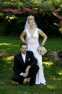 pink bouquet and bride