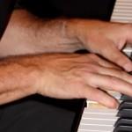 PianoHands2014.jpg