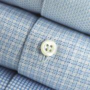 stenströms-la-chemise-bleu-doux-et-le-pull-crème-2