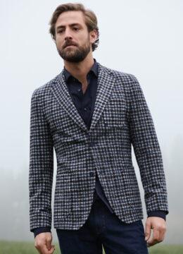 Digel-la-veste-blazer-ajustee-motif-a-petits-quadrilles-bleu-et-marron