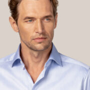 eton-la-chemise-bleu-clair-et-preferee-de-la-marque-1