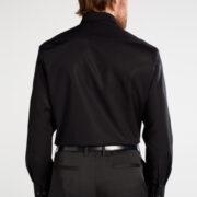 eterna-la-chemise-noire-passe-partout-1